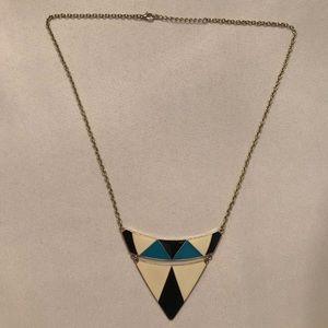 2/$15 🐥 EUC Geometric Triangle Drop Necklace